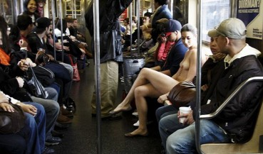 Mostrar y Frotar: Sexo en transporte público ¿Qué es delito y que no?