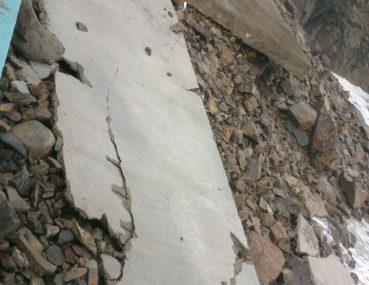Dinamitar los escombros